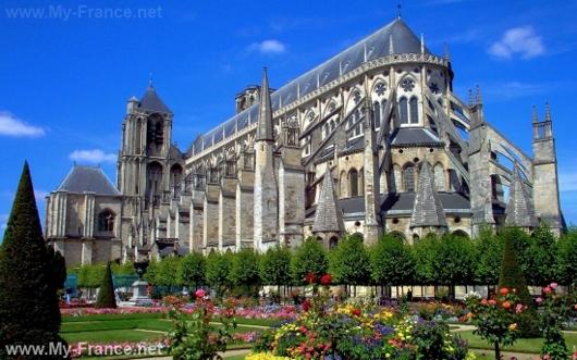 Бурж (Франция)