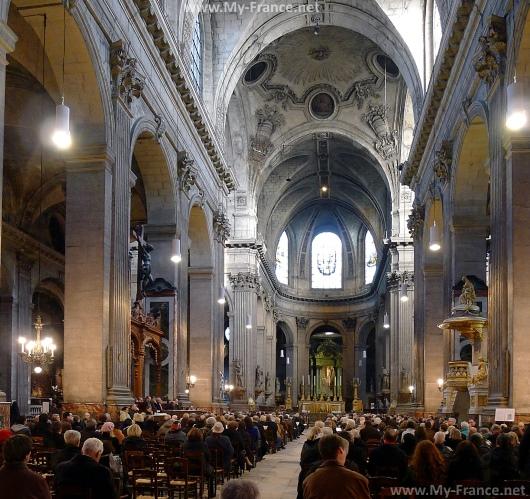 Внутреннее убранство церкви Сен-Сюльпис