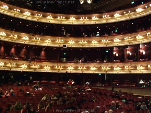 Опера Бастилии внутри