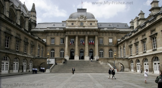 Дворец Правосудия в Париже