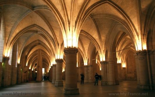 Внутри дворца Консьержери