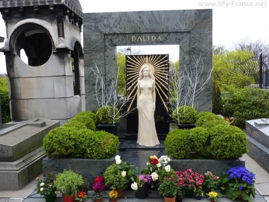 Могила Далиды на Кладбище Монмартр