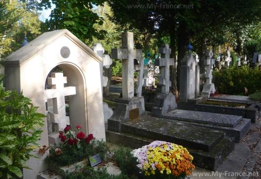 Сент-Женевьев-де-Буа - русское кладбище Парижа
