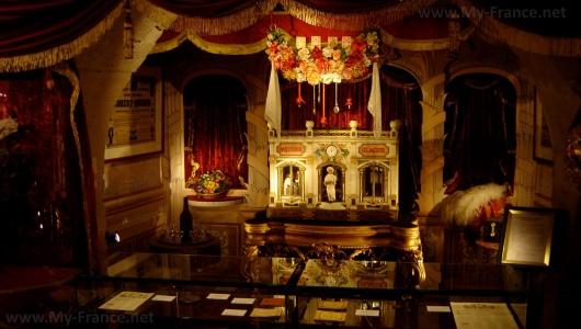 Интерьеры Музея магии в Париже