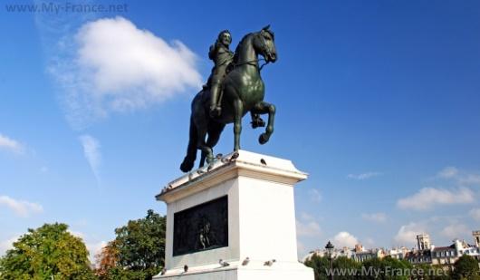 Памятник королю Генриху IV