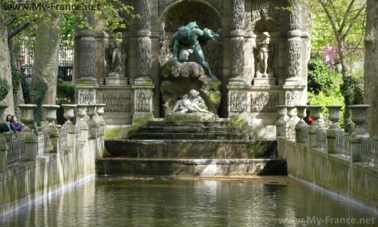 Фонтан в Люксембургском саду