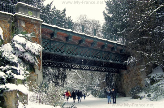 Бют-Шомон зимой