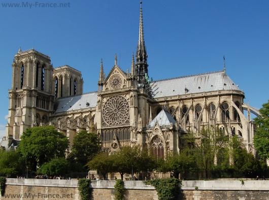 Самый известный собор Парижа – Собор Парижской Богоматери